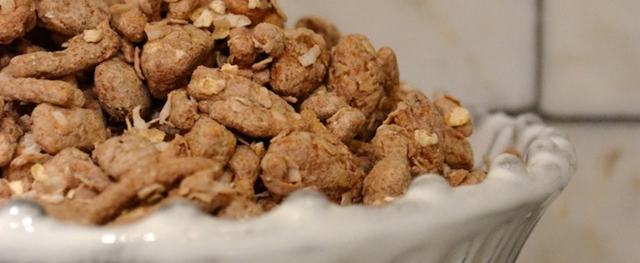 A Healthy Take on Puppy Chow // THE HIVE