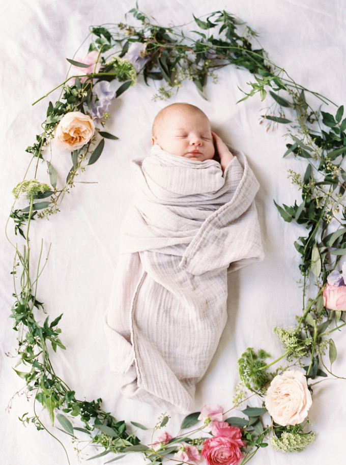Newborn Lifestyle Photos with Mississippi photographer Lauren Liddell // www.thehiveblog.com