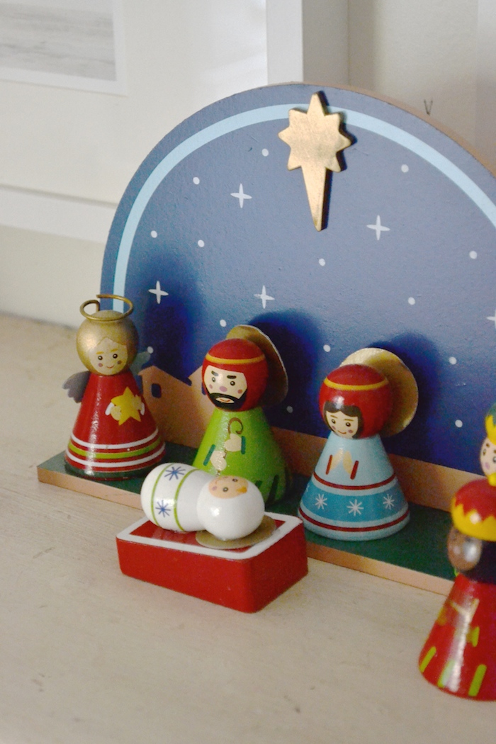 Decking the halls in the kids' rooms!