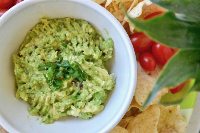 Easy Homemade Guacamole via thehiveblog.com