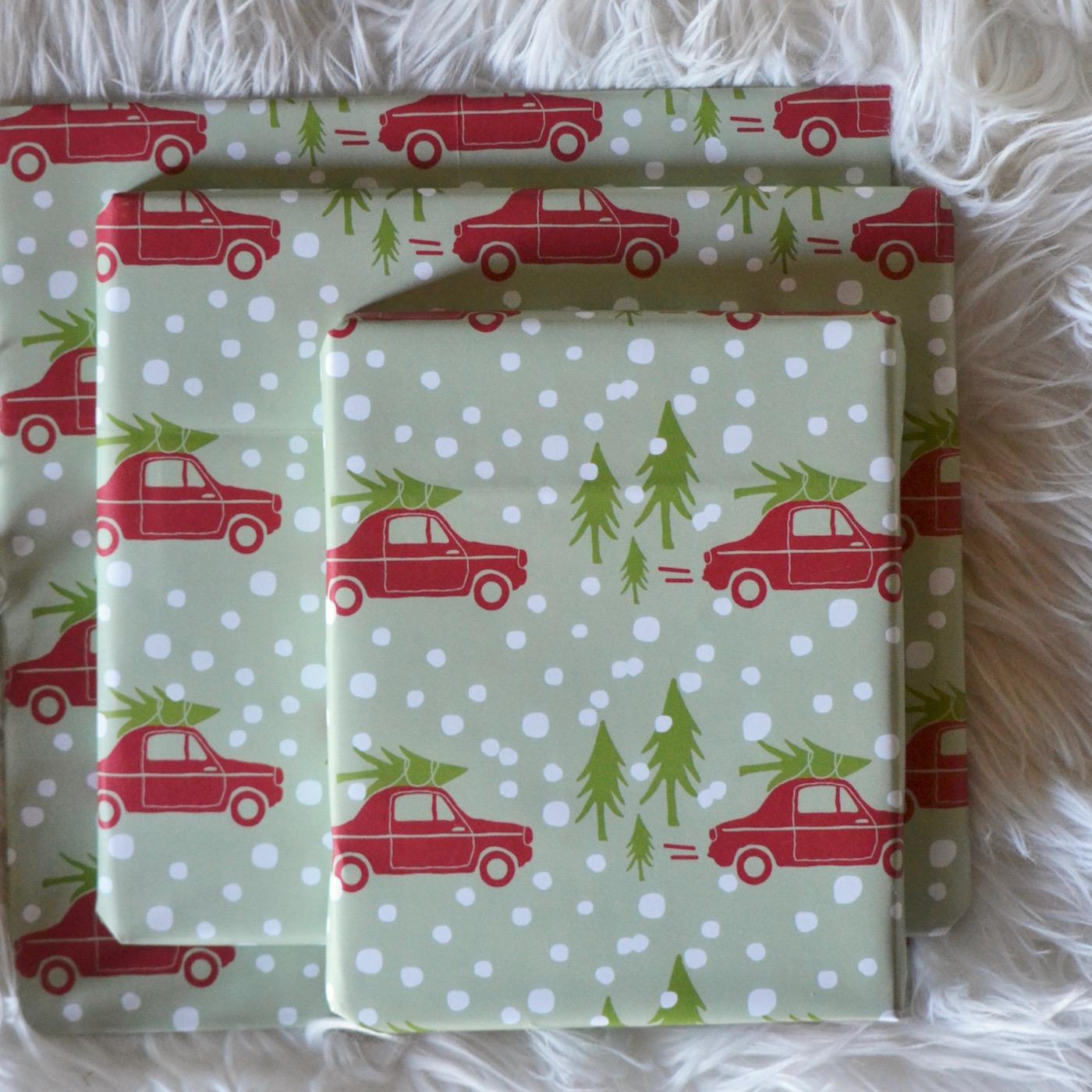 25 Christmas Books // www.thehiveblog.com
