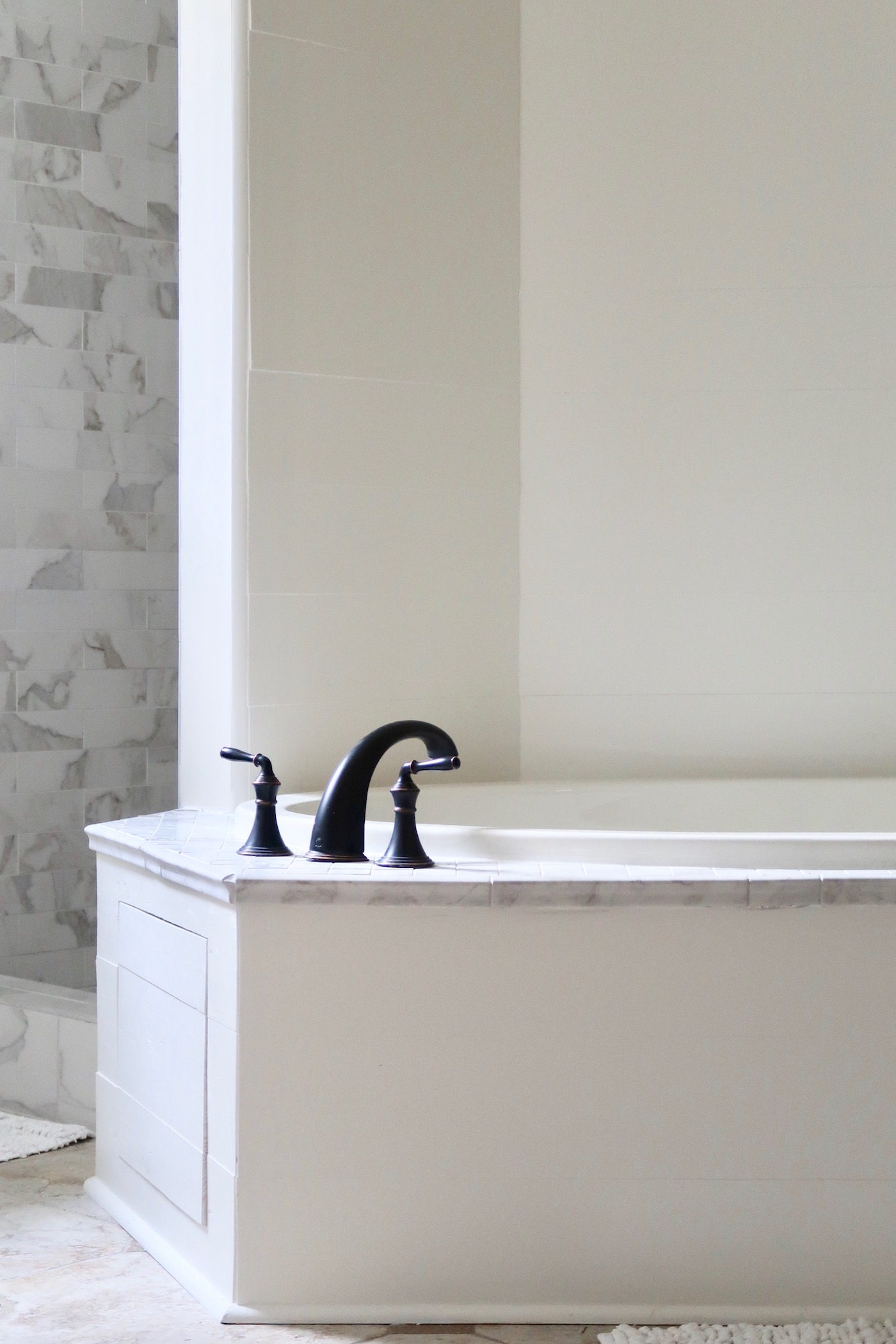 Revamped Master Bathroom // www.thehiveblog.com