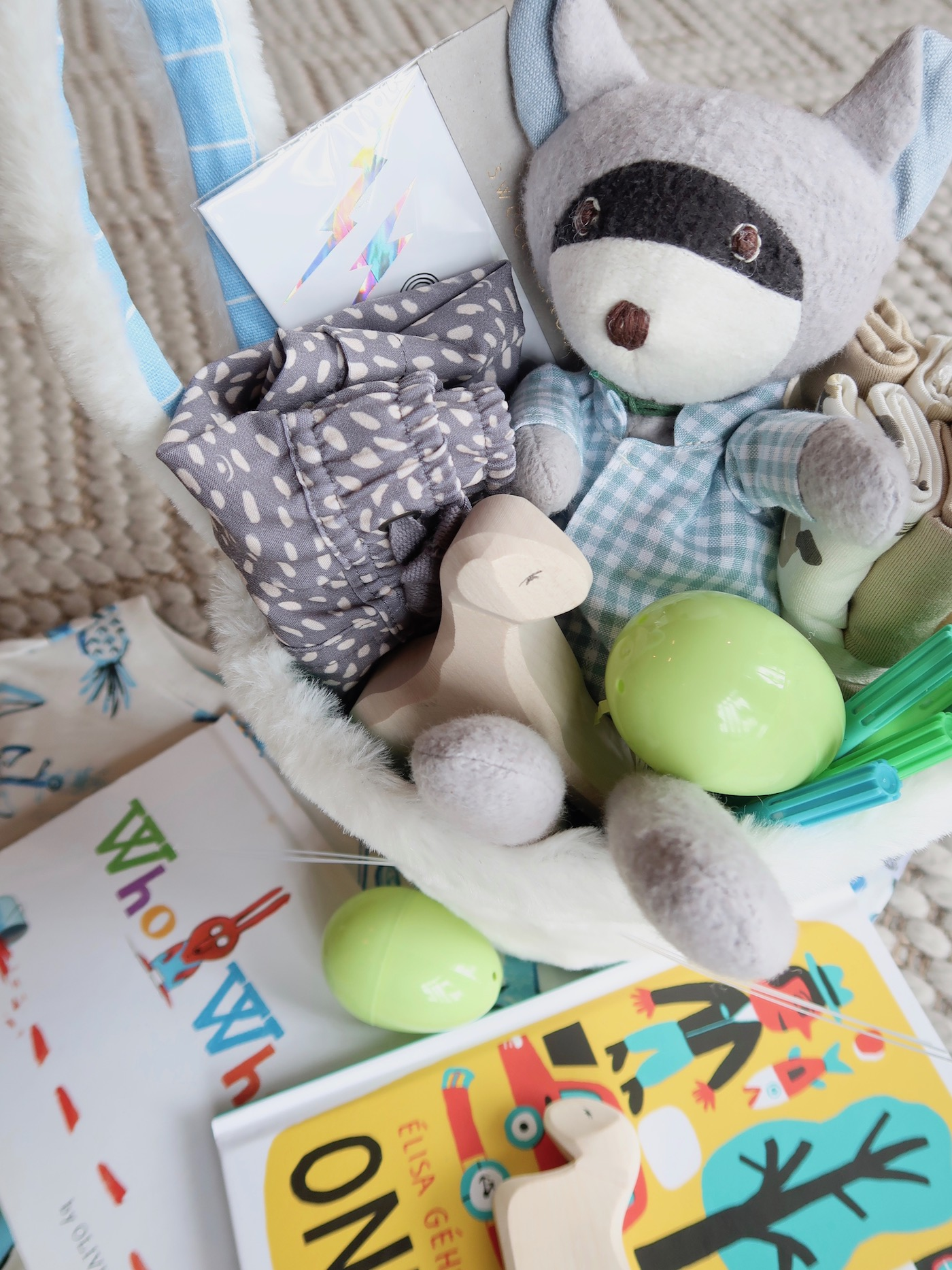 Easter Basket ideas for toddlers // #practical #useful #easterbasket