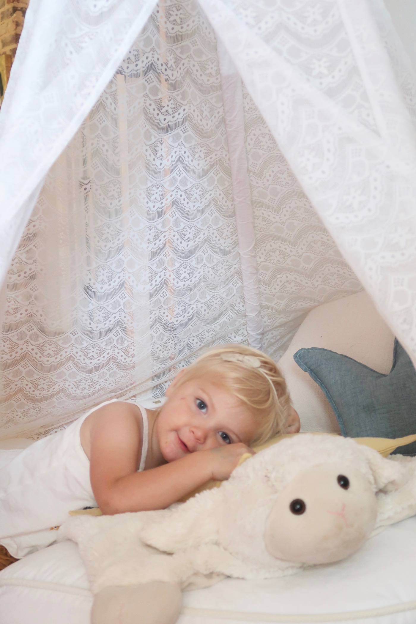 Teepee Joy: Handmade teepees and accessories for boys and girls // www.thehiveblog.com