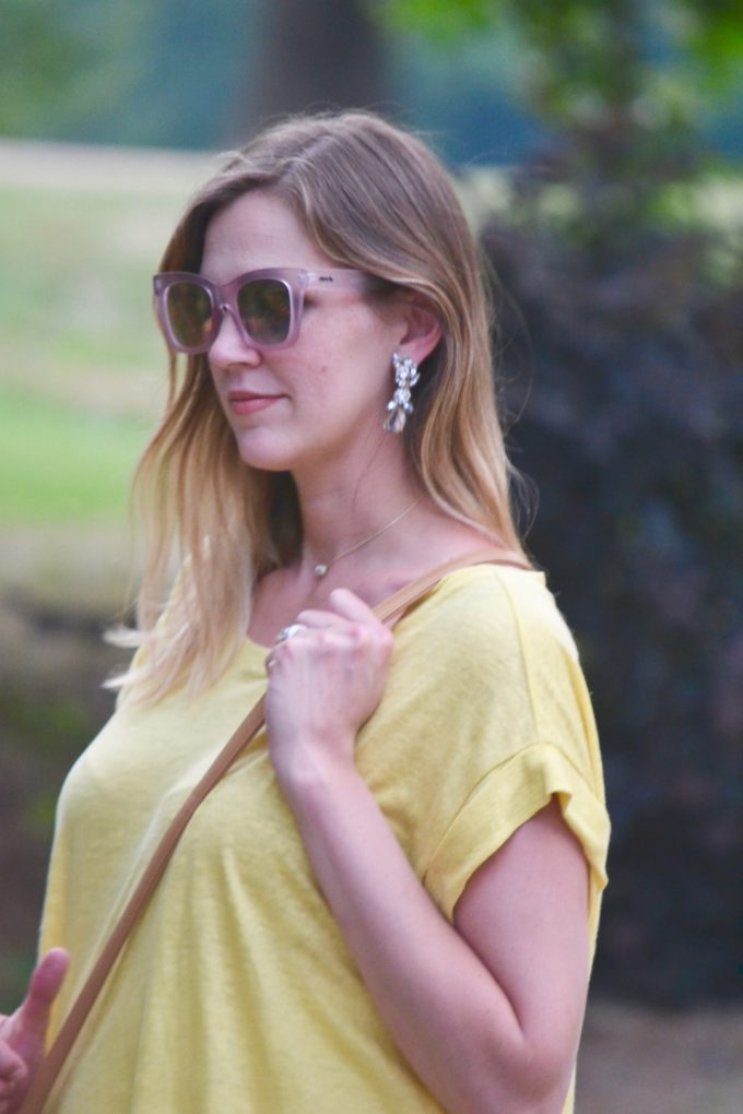 Canary Yellow from Hatch Collection and ripped white skinny jeans from Posh Bump // second trimester style // www.thehiveblog.com