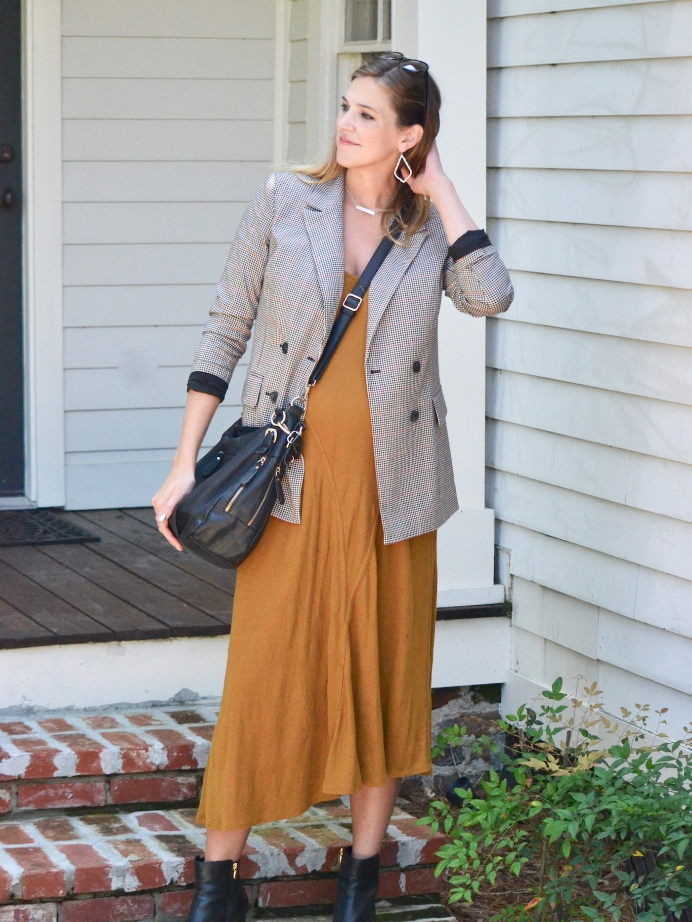Third trimester fall style // www.thehiveblog.com