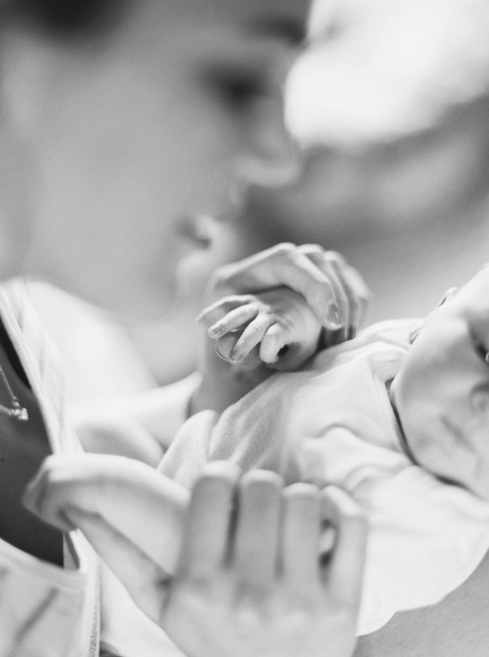 Newborn Lifestyle Photos by Lauren Liddell // THE HIVE