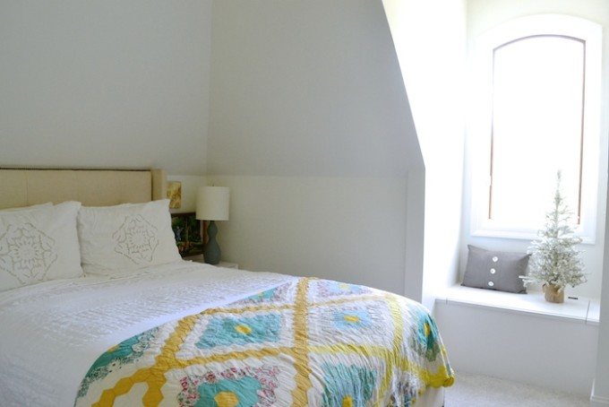 Guest Room // www.thehiveblog.com