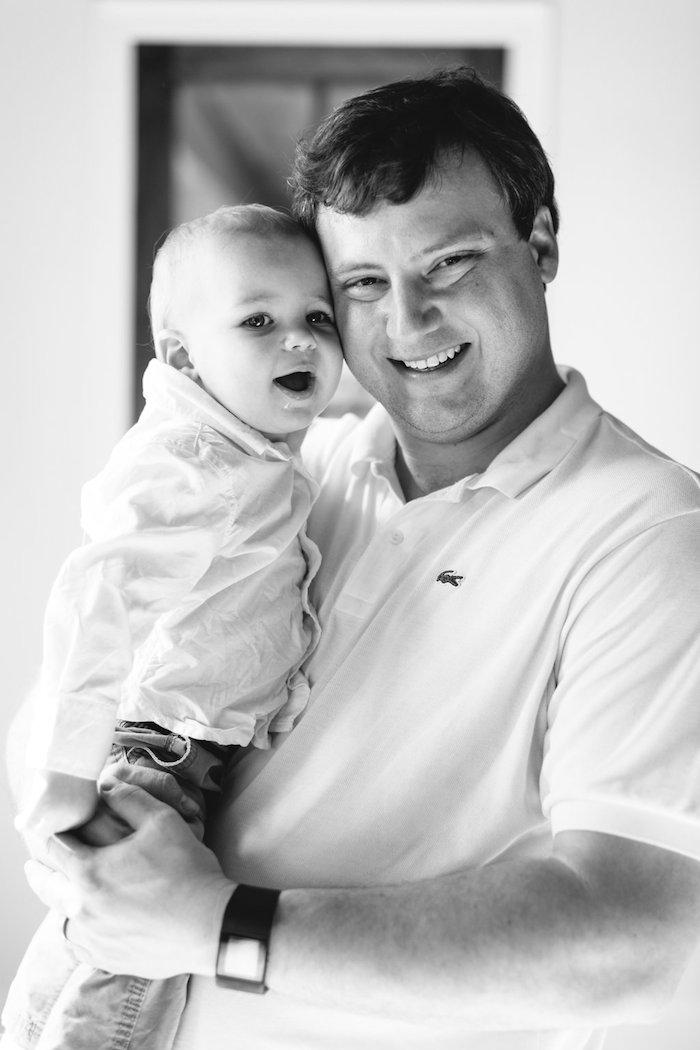 Newborn Lifestyle Photos with Mississippi photographer Lauren Liddell // www.thehiveblog.com