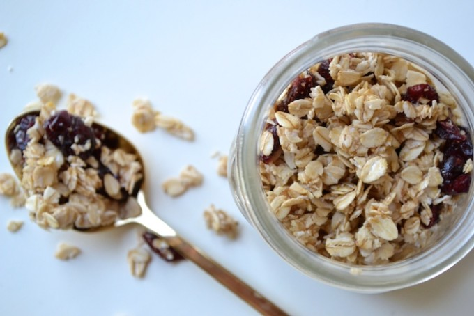 Quick, no-bake, healthy granola recipe // www.thehiveblog.com