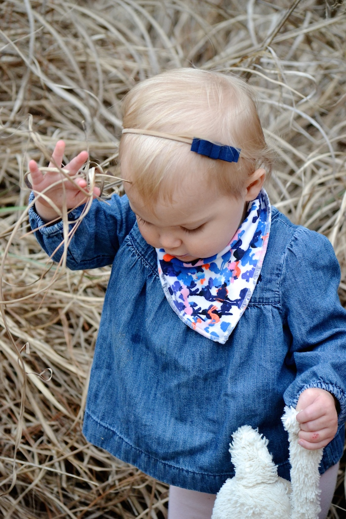 Simple springy bows for modern little girls