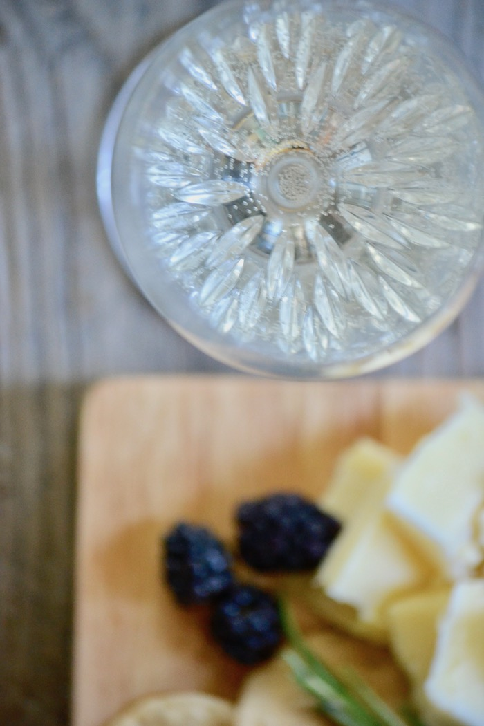 The art of the charcuterie platter (plus the perfect wine pairing!) // www.thehiveblog.com