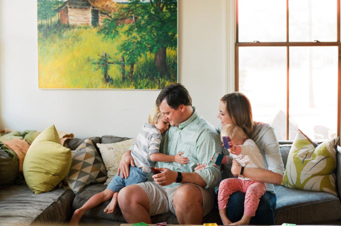 Family Lifestyle Photo Shoot with Hannah Groat // www.thehiveblog.com // #family #lifestyle #photography