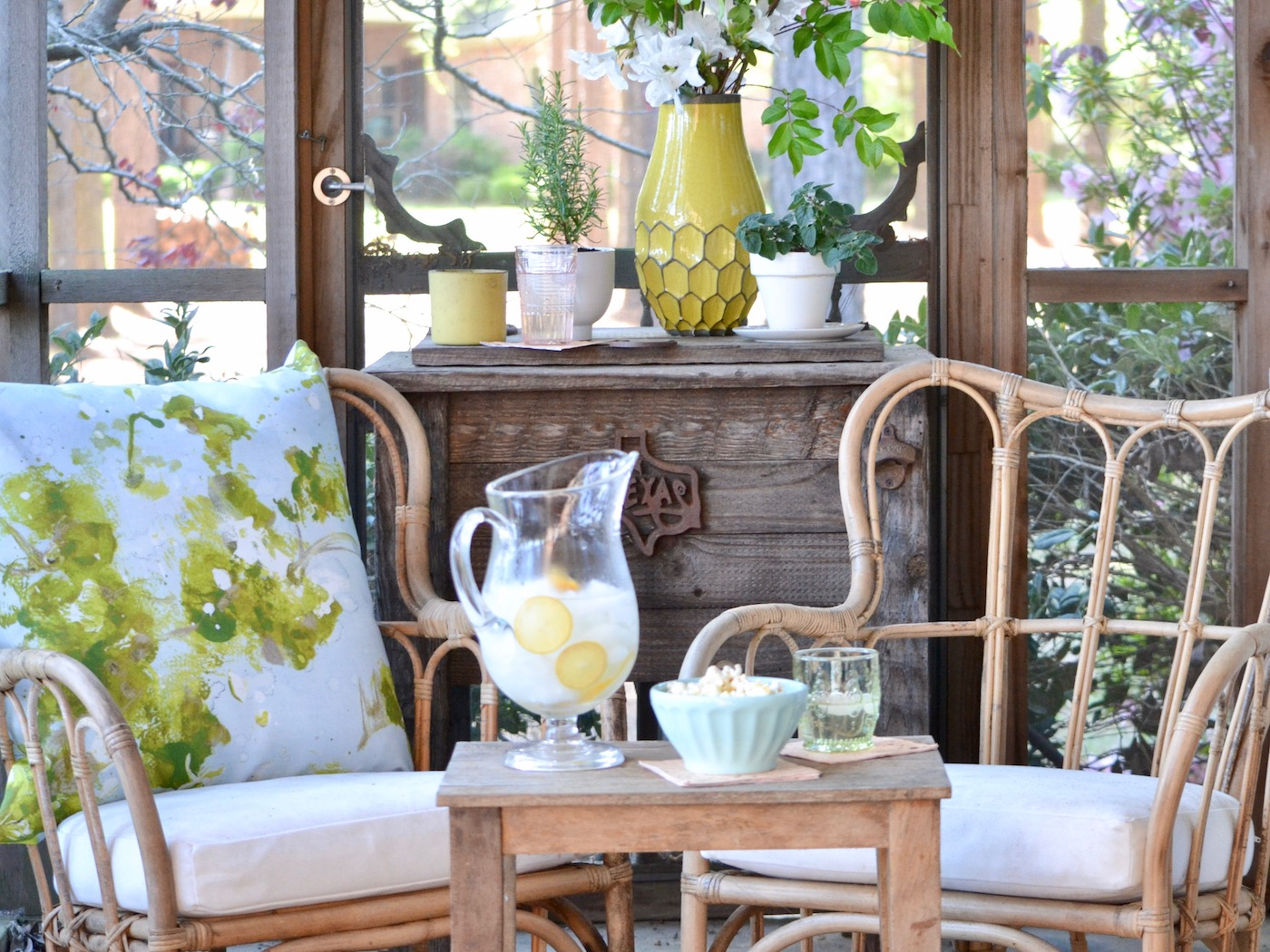 Springy Screened Porch Update // www.thehiveblog.com