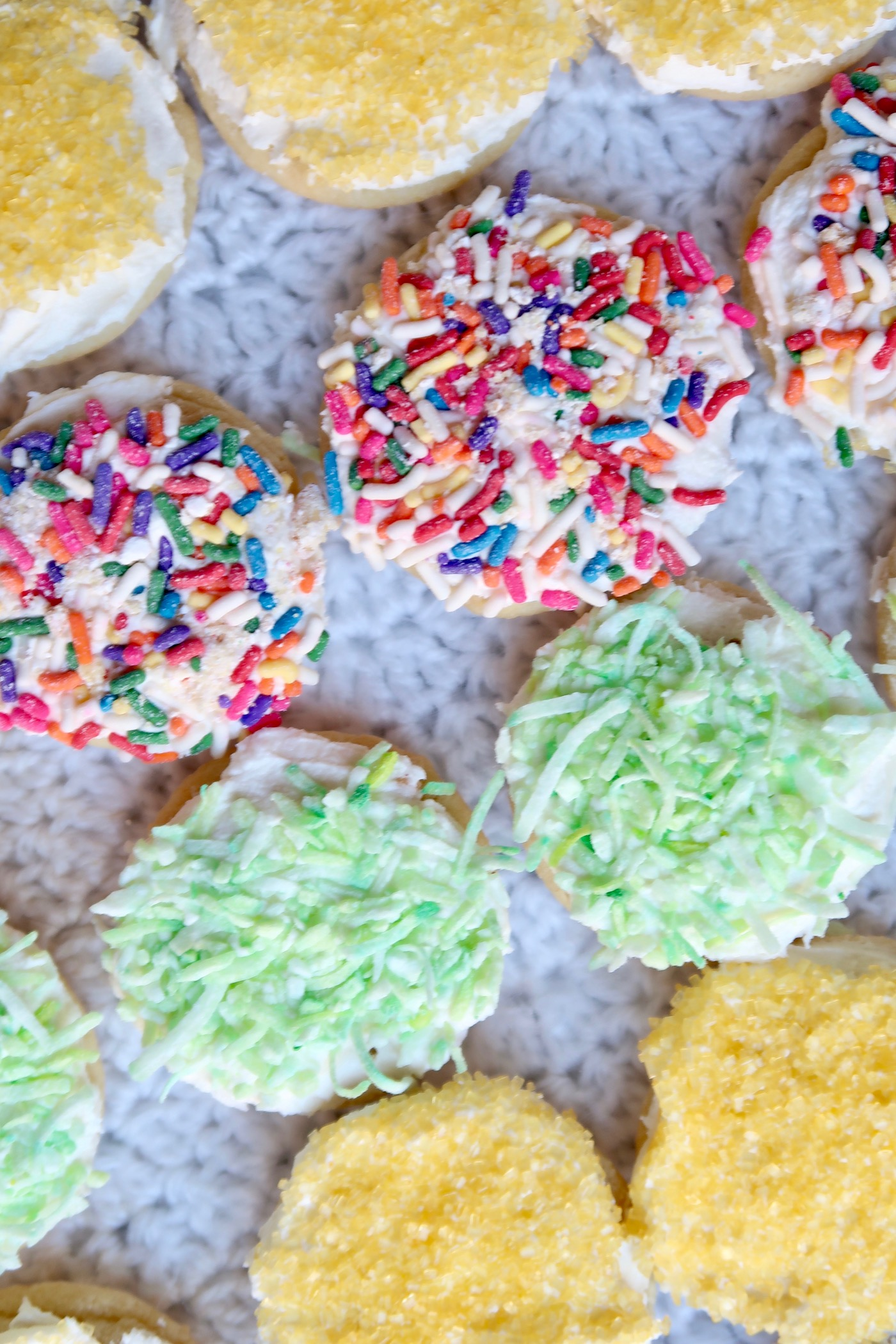 The easiest party cookies (that taste homemade but really aren't!) // www.thehiveblog.com