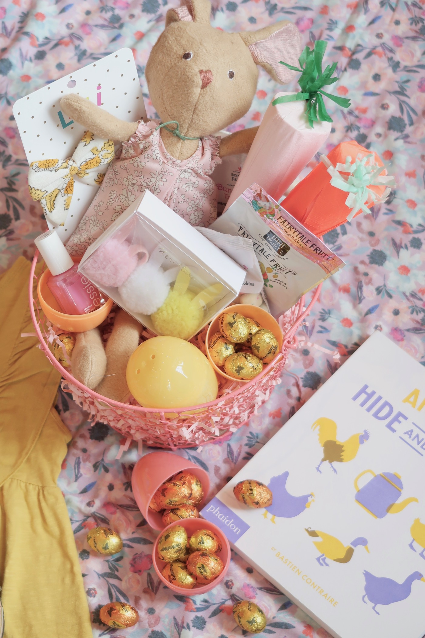 Baby, Toddler, and Preschooler Easter Basket Ideas // www.thehiveblog.com