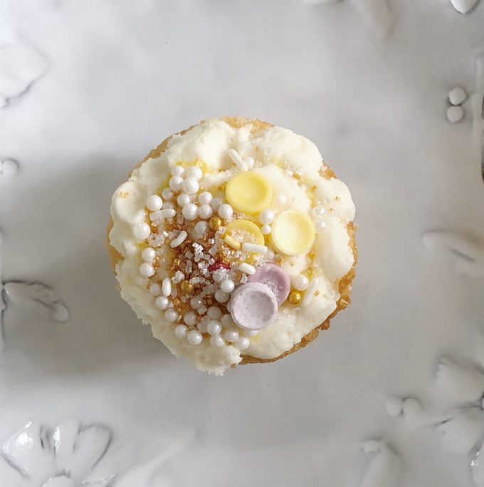 Cupcake Season - The BEST combo of cake and icing recipes that are reminiscent of cupcakes from The Hummingbird Bakery in London!