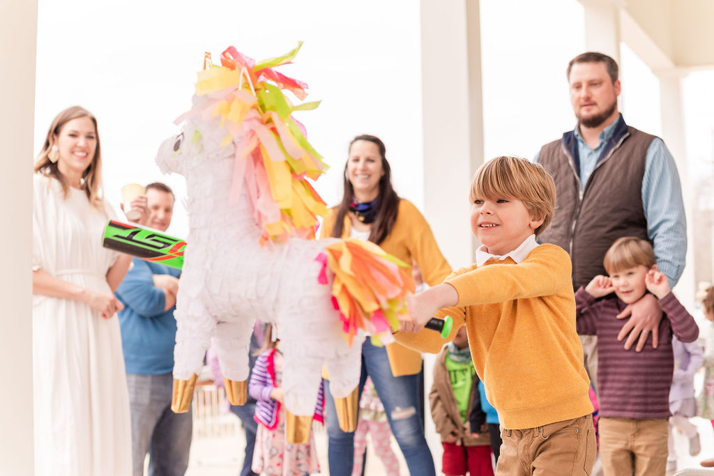 Unicorn party with piñata